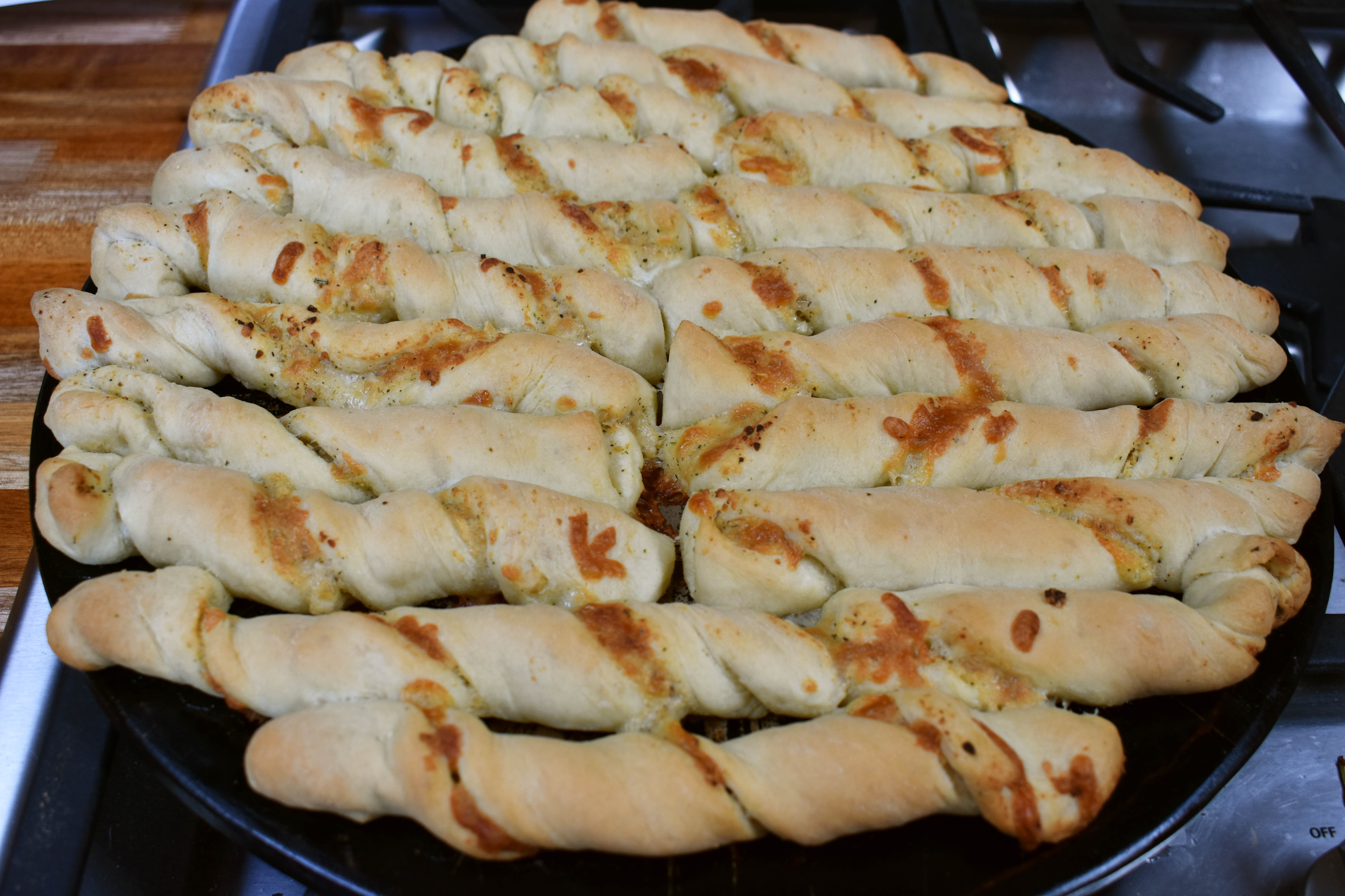 French Bread or Cheesy Garlic Bread Twists